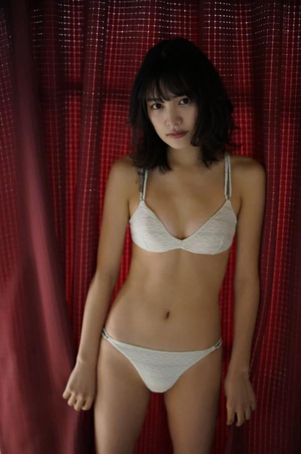 JR東日本CM出演中のアイドル松永有紗が高校卒業して早速、下着みたいな姿に脱がされる