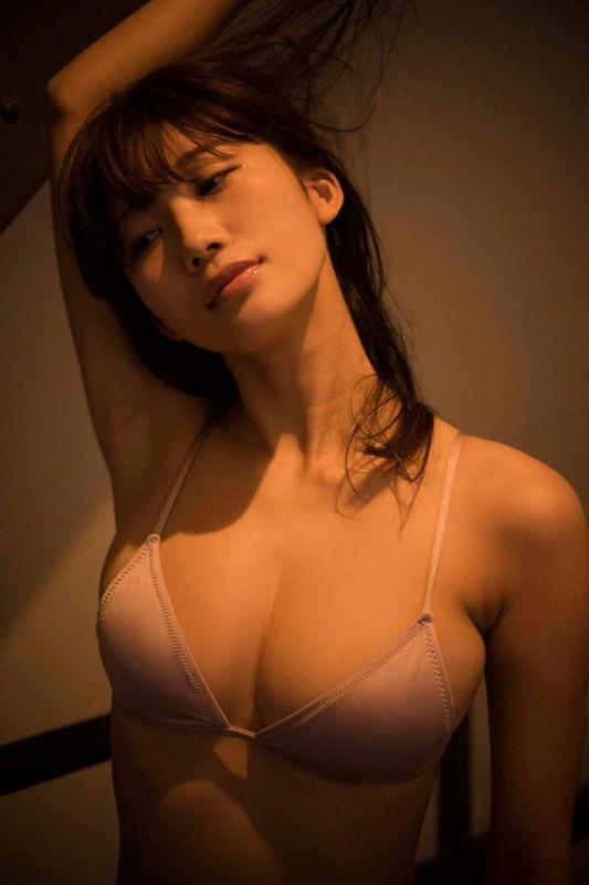 人気グラドル小倉優香(20)Yotuber格闘家・朝倉未来と熱愛スクープされ過去から匂わせていた事も発覚